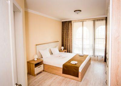 34  - 3 bedroom apart
