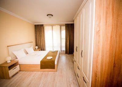 36 - 3 bedroom apart